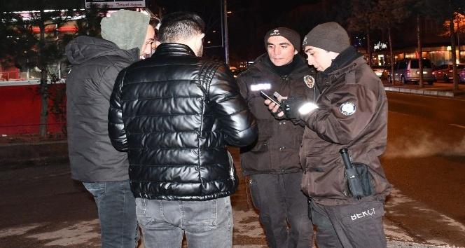Aksarayda gecenin güven timleri bekçilerle sokaklar daha güvenli