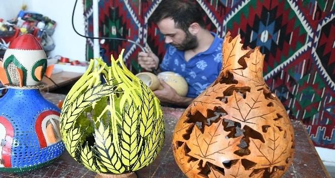 Su kabakları sanatkar ellerde dekor ürününe dönüşüyor