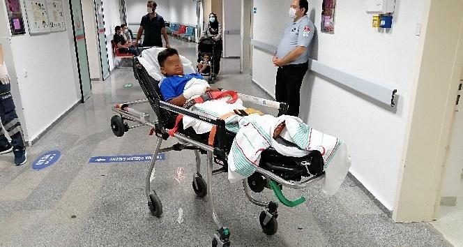 Cam şişede torpil patlatan 2 kardeş yaralandı