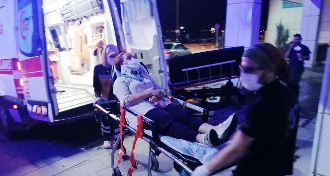 Kırmızı ışıkta bekleyen otomobile çarptı: 4 yaralı