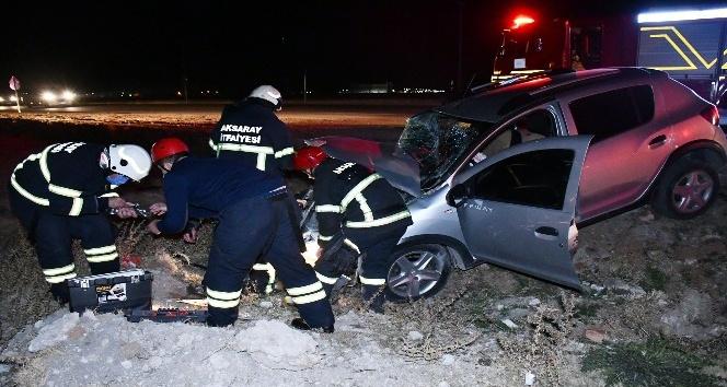 Aksarayda otomobille kamyonet çarpıştı: 4 yaralı