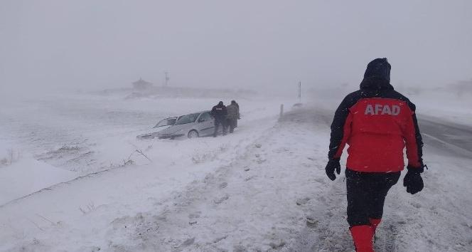 Aksarayda olumsuz hava koşulları nedeniyle mahsur kalan 117 vatandaş kurtarıldı