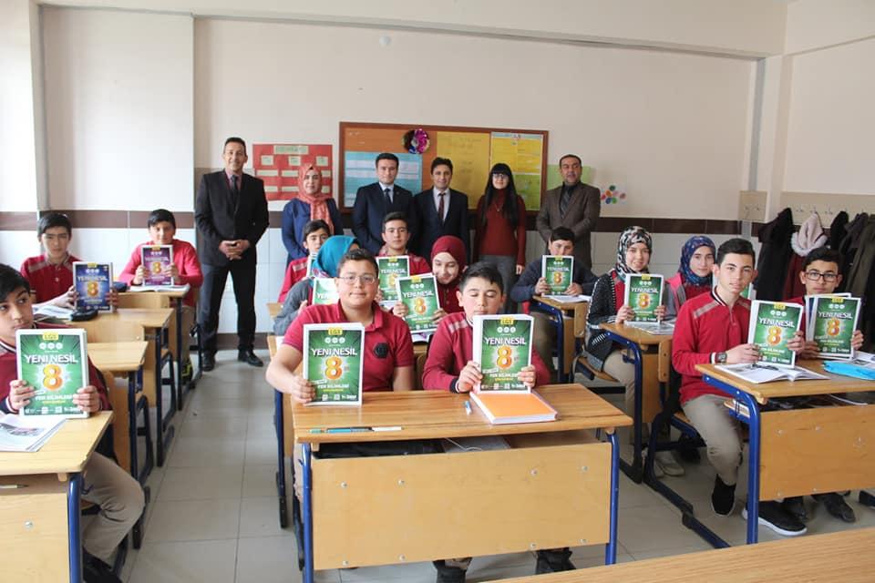 Kaymakamımız Sayın Osman ACAR Liselere Geçiş Sınavına (LGS) Hazırlanan 8. Sınıf Öğren...